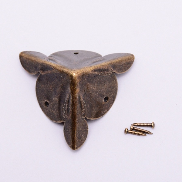 PandaHall Iron Box Corner Protectors, with Screws, For Furniture Jewelry Box Decoration, Antique Bronze, 29x42x25mm, Hole: 1.8mm; Screws...